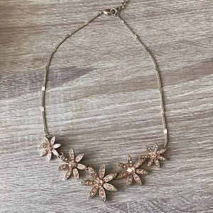 Jewelry - Peach and gold necklace